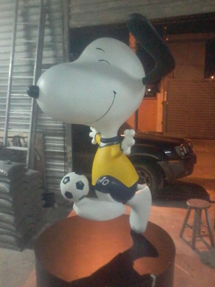 Snoopy com o uniforme do Brasil (Leon Leoks/Divulgação)